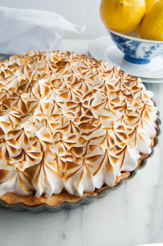 lemon meringue pie with sugar cookie crust