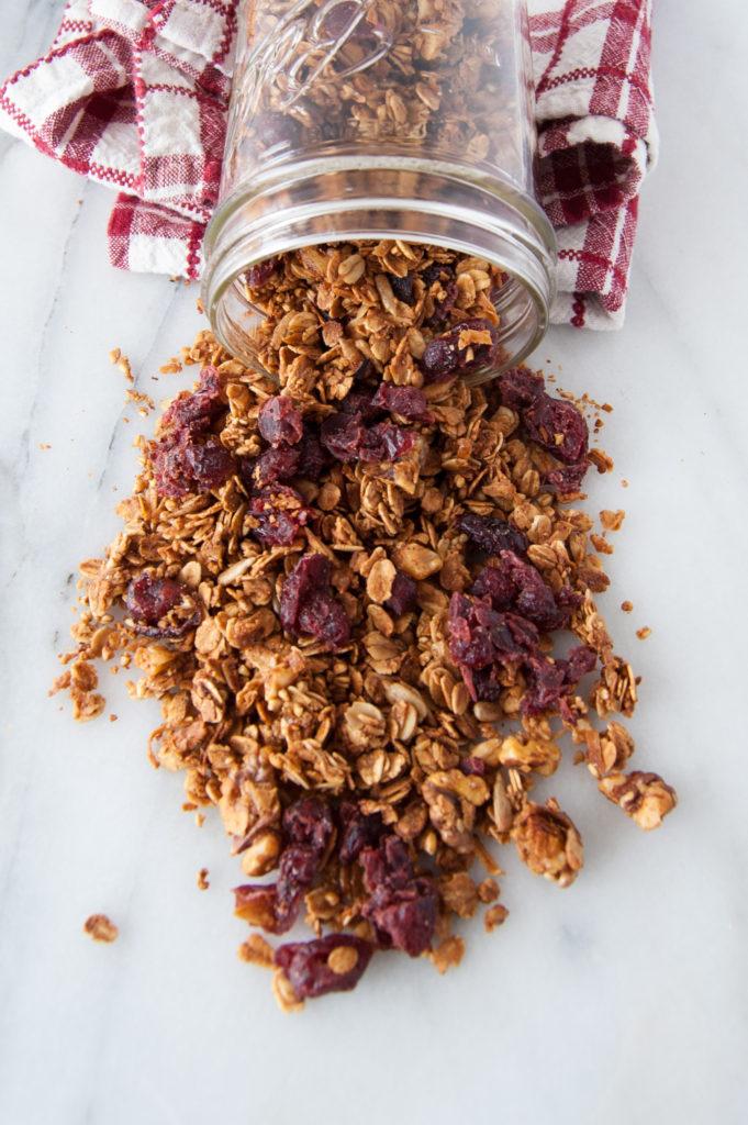 healthy simple granola with no refined sugar