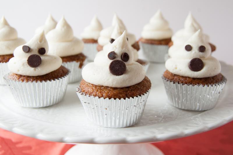 Ghost mini cupcakes