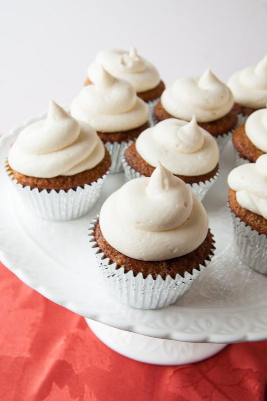 applesauce cupcakes with cream cheese buttercream